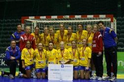 Sølvinnerene. Dagens toppscorer, Kristine Breistøl i midten bak (nr. 3)