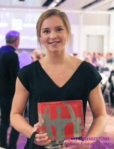 Årets unge spiller: Maria Hjertner med prisen som årets unge spiller i håndball. Foto: Andreas Kristoffer Berge.